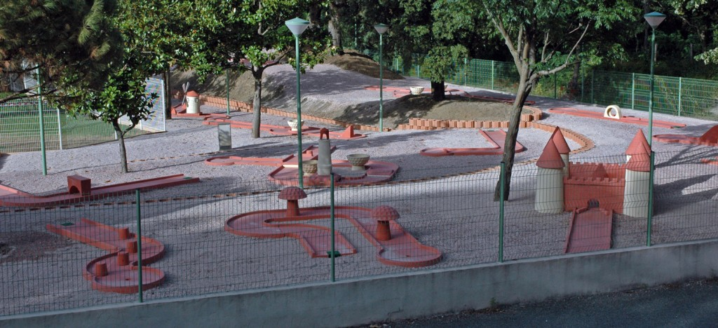 mini golf st pons de thomieres